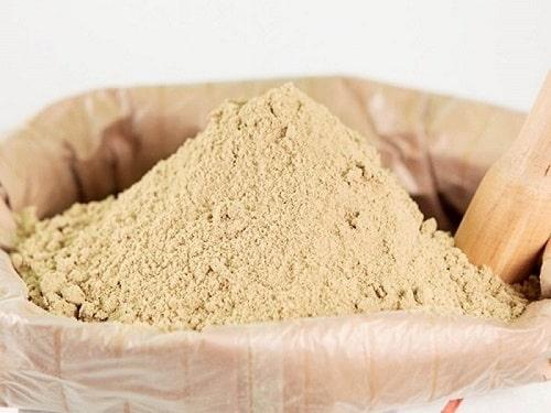 Là một nguồn phụ phẩm giá rẻ, cám gạo là tài nguyên giá trị trong trồng trọt sản xuất
