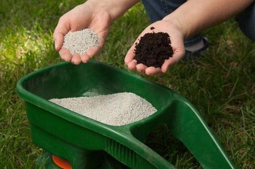 Đất mất lý tính khi bón phân không cân đối giữa hữu cơ và vô cơ